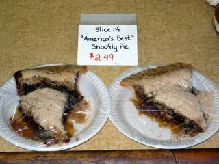 Shoofly pie slices